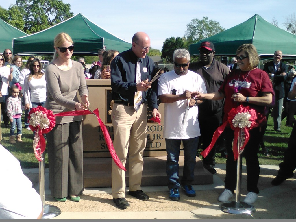 Ribbon cut with Jay Schenirer